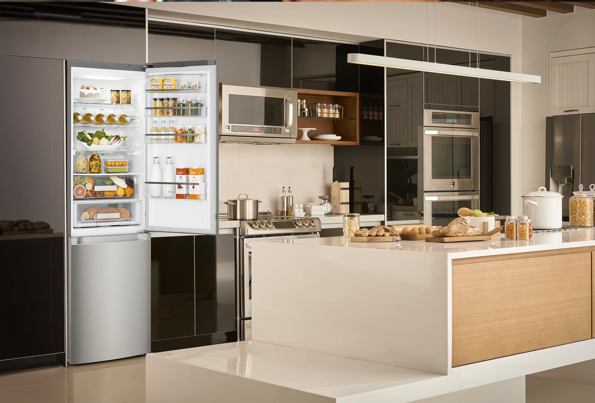 cucine moderne con frigo esterno bj89 regardsdefemmes. Black Bedroom Furniture Sets. Home Design Ideas