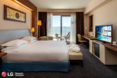 LG ELECTRONICS RINNOVA IL PARCO TV  DELL'HOTEL DOUBLETREE BY HILTON DI OLBIA